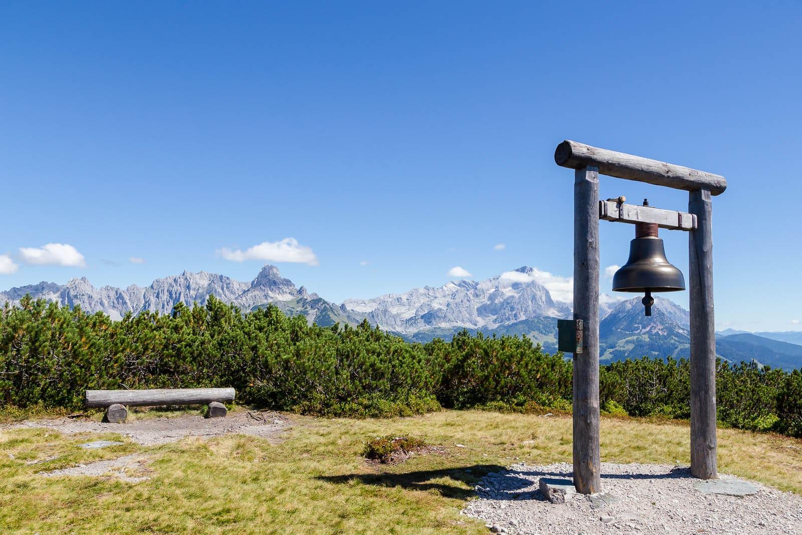 Sagenhaft schön wandern - der Gerzkopf blogHuette.at image 2