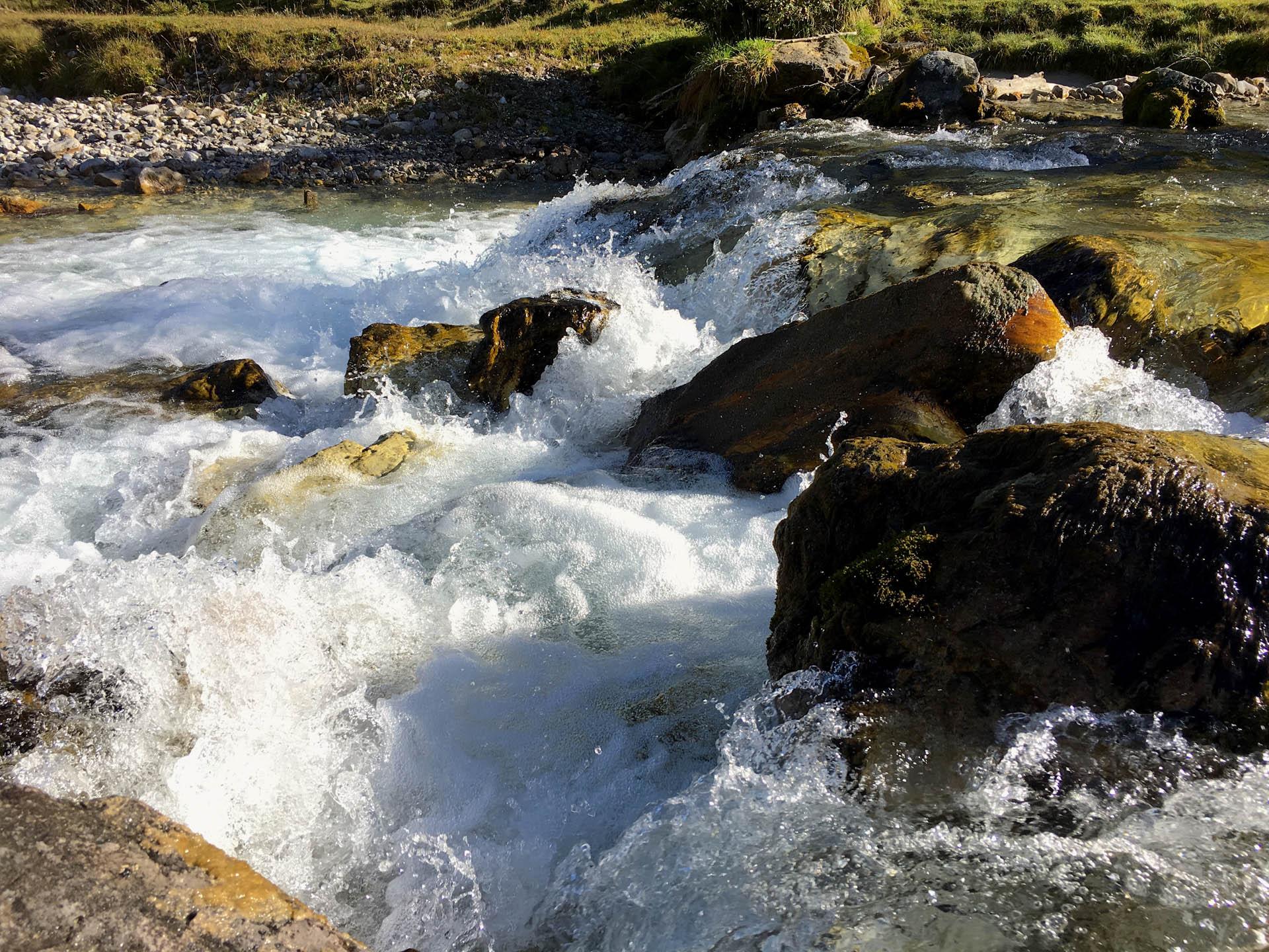 Hervorragendes Wasser aus den Tiefen der Berge - Auf den Spuren der Enns am Ennsradweg von Flachauwinkl nach Radstadt blogHuette.at image 9