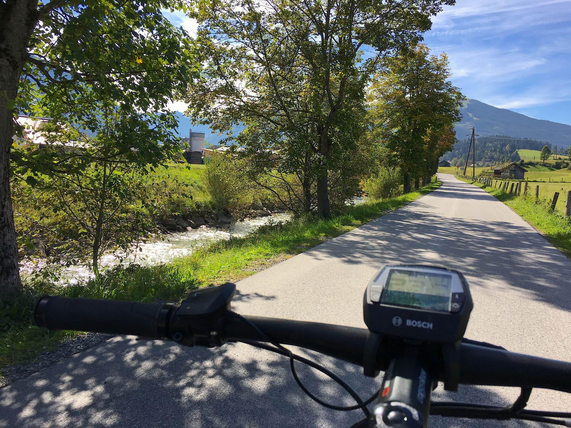 Hervorragendes Wasser aus den Tiefen der Berge - Auf den Spuren der Enns am Ennsradweg von Flachauwinkl nach Radstadt blogHuette.at image 17