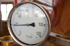 Die Dachstein Destillerie am Mandlberggut - Feinste Schnäpse aus bestem Gebirgswasser gebrannt blogHuette.at image 5