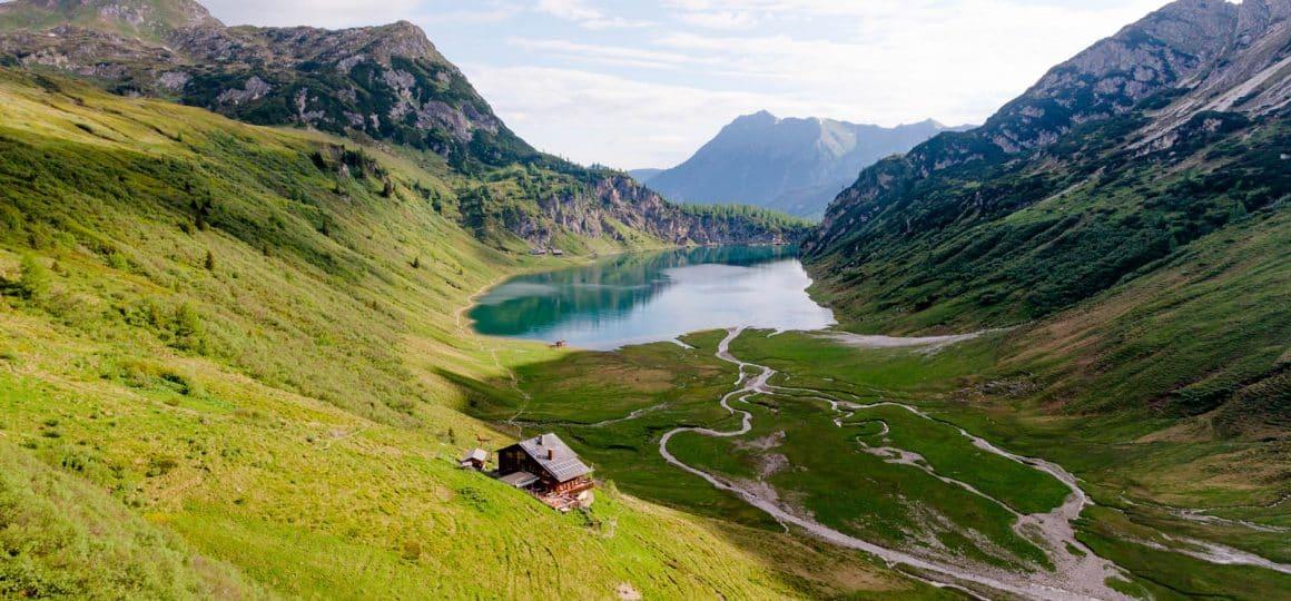 Aussicht hoch 2 auf der Wanderung zum Tappenkarsee blogHuette.at image 5