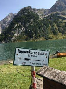 Schild das zur Tappenkarseehütte führt