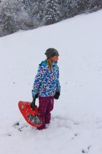 Spiel uns Spaß beim ersten Schnee
