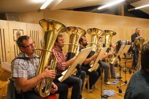 Blasinstrumente bei der Probe