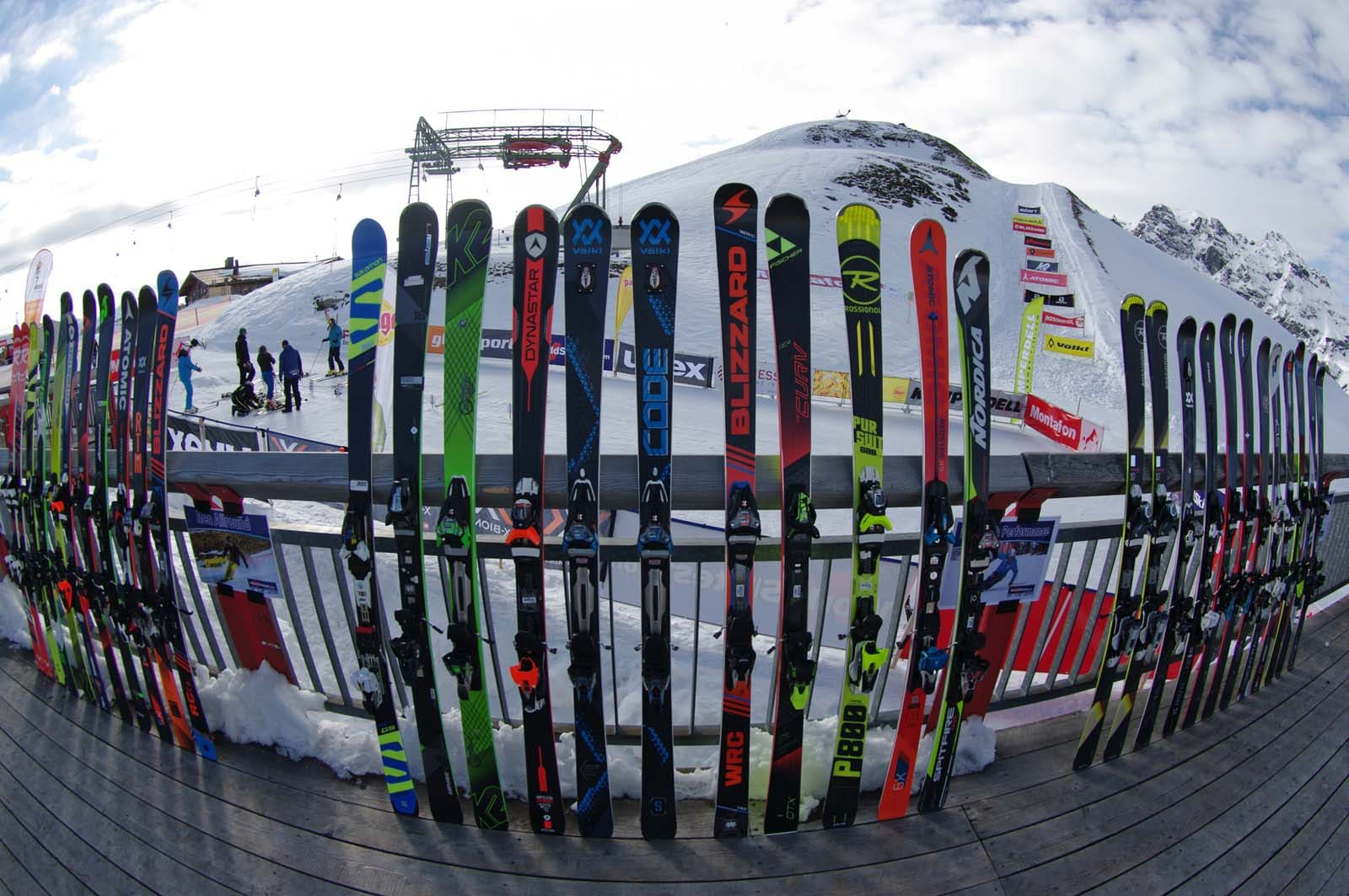 Skitesten mit internationalen Stars im Snow Space Salzburg - Sankt Johann