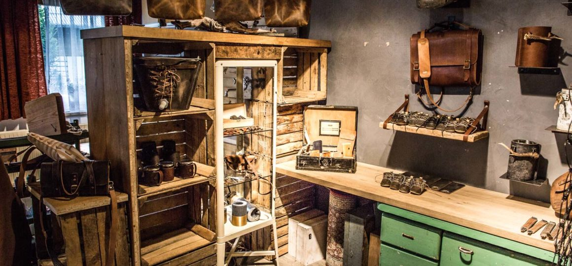 leather products in Salzburg