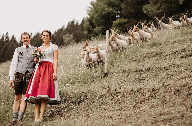 Hochzeitskleid von Hand gefertigt