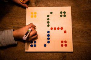 Spielen mit Kindern, Mensch ärgere dich nicht, DIY