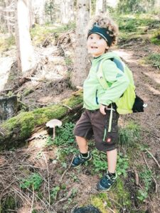 Waldwanderung mit einer guten Jause.