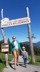 Urlaubsfoto beim Speicherteich in Flachau beim Floris Erlebnispfad