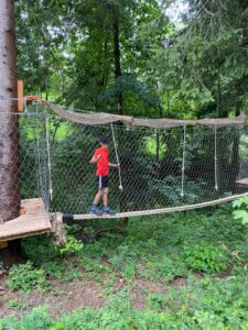 Jodys Baumparcour lädt zum Klettern ein