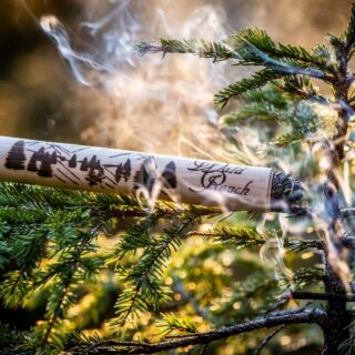 """Do you like forest scents 😊😀? Christopher, a local from Radstadt uses ingredients such as swiss stone pine, spruce resin and finest mountain herbs for his homemade incense sticks with the simple name """"Wald-Rauch"""" (Forest Smoke). 👌😉  Check out our latest blog post for more information (link in bio).   #bloghuette #salzburgersportwelt #radstadt #forest #scents #local #perfectproduct #forestscent #herbs #woods #regional #childhood #specialgift #tryitout #somethingspecial"""